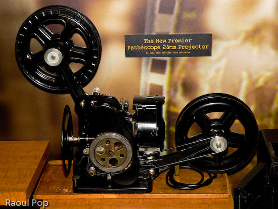 Pathescope 28mm projector
