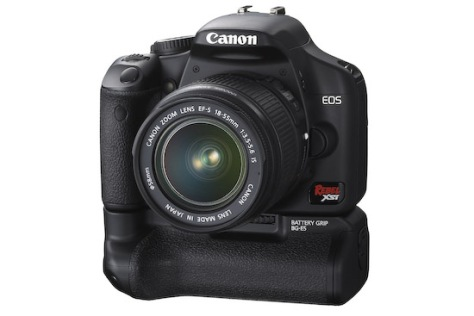 Canon EOS Rebel XSi (front 3q with grip)
