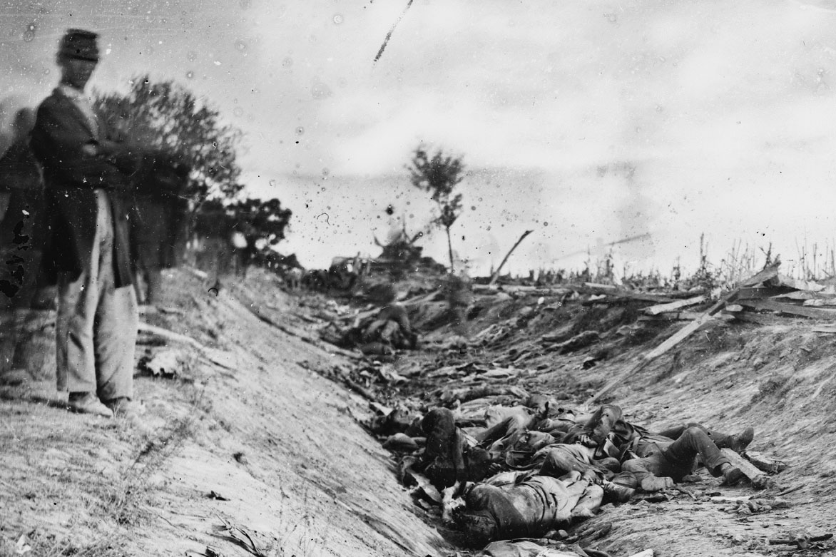 How many soldiers died at the Battle of Antietam?
