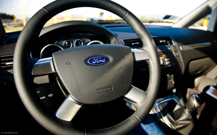 Steering wheel and dashboard, Ford C-Max 1.6L Diesel