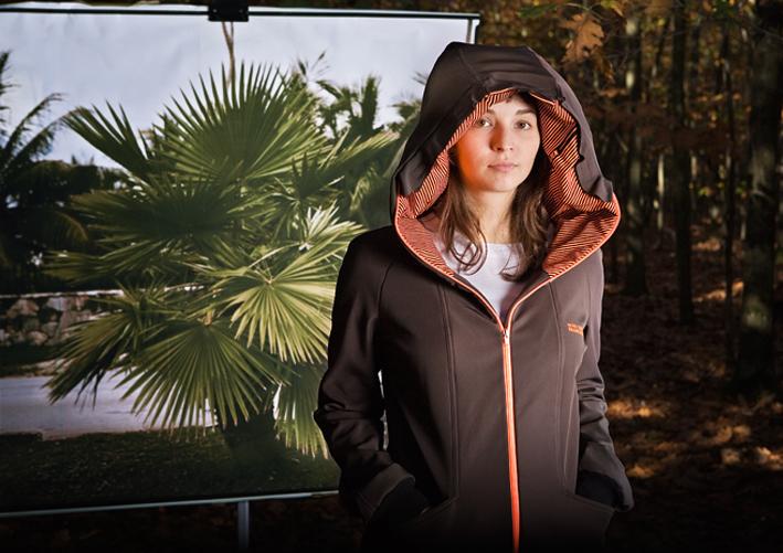 jacket-with-inflatable-hood-1