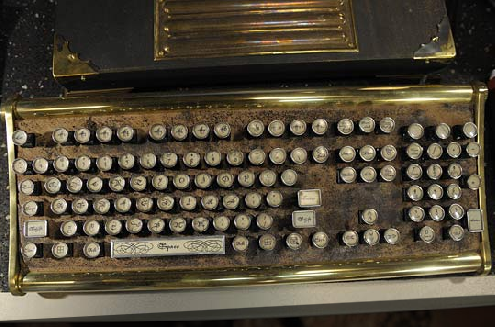 warehouse-13-steampunk-keyboard