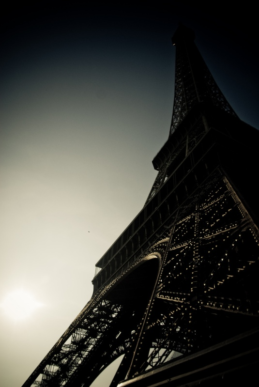 Eiffel Tower by briandeadly on Flickr.