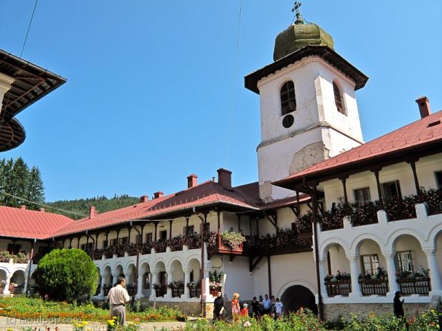 manastirea-agapia-bucovina-73