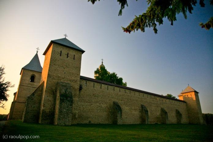 manastirea-dragomirna-bucovina-30
