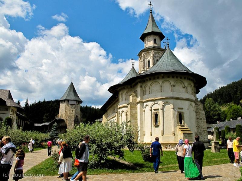 manastirea-putna-bucovina-90