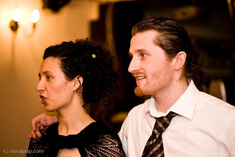Ligia and Raoul, talking