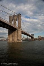 The Brooklyn Bridge, Manhattan, New York, USA.