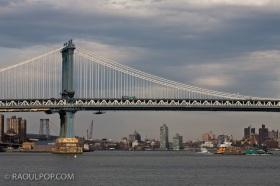 The Manhattan Bridge, Manhattan, New York, USA.