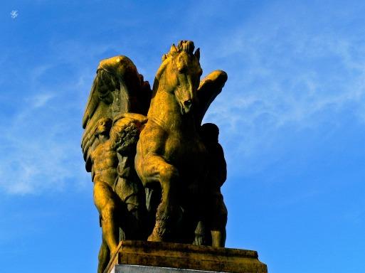 Statue on the bridge