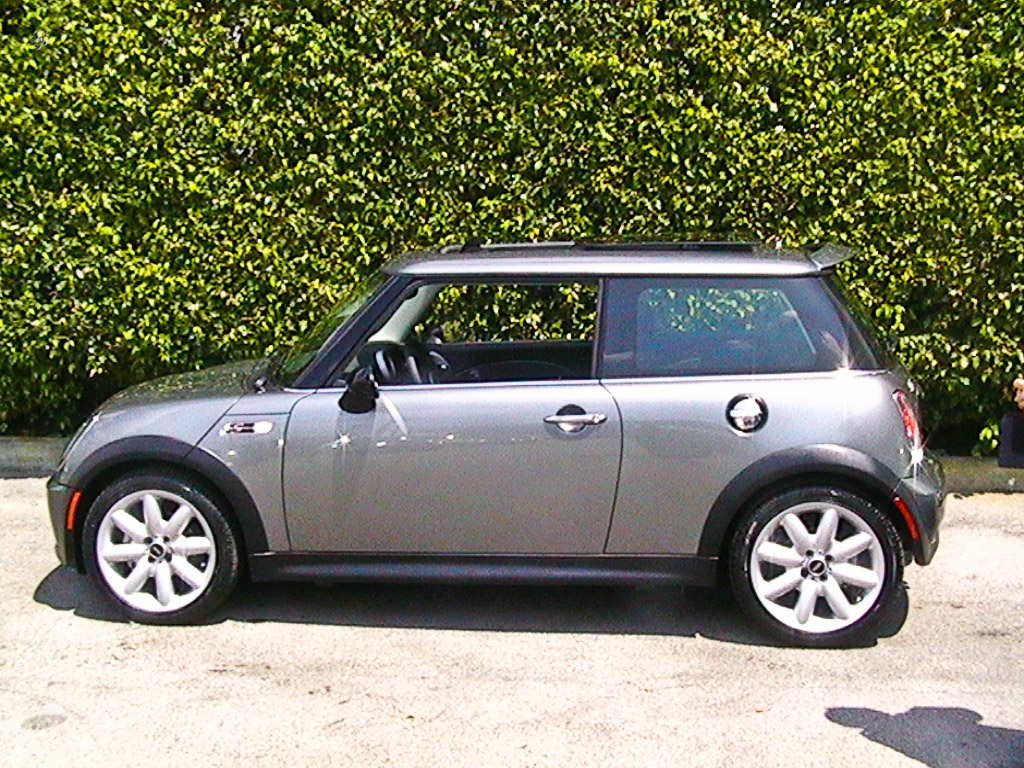 mini cooper s raoul pop. Black Bedroom Furniture Sets. Home Design Ideas