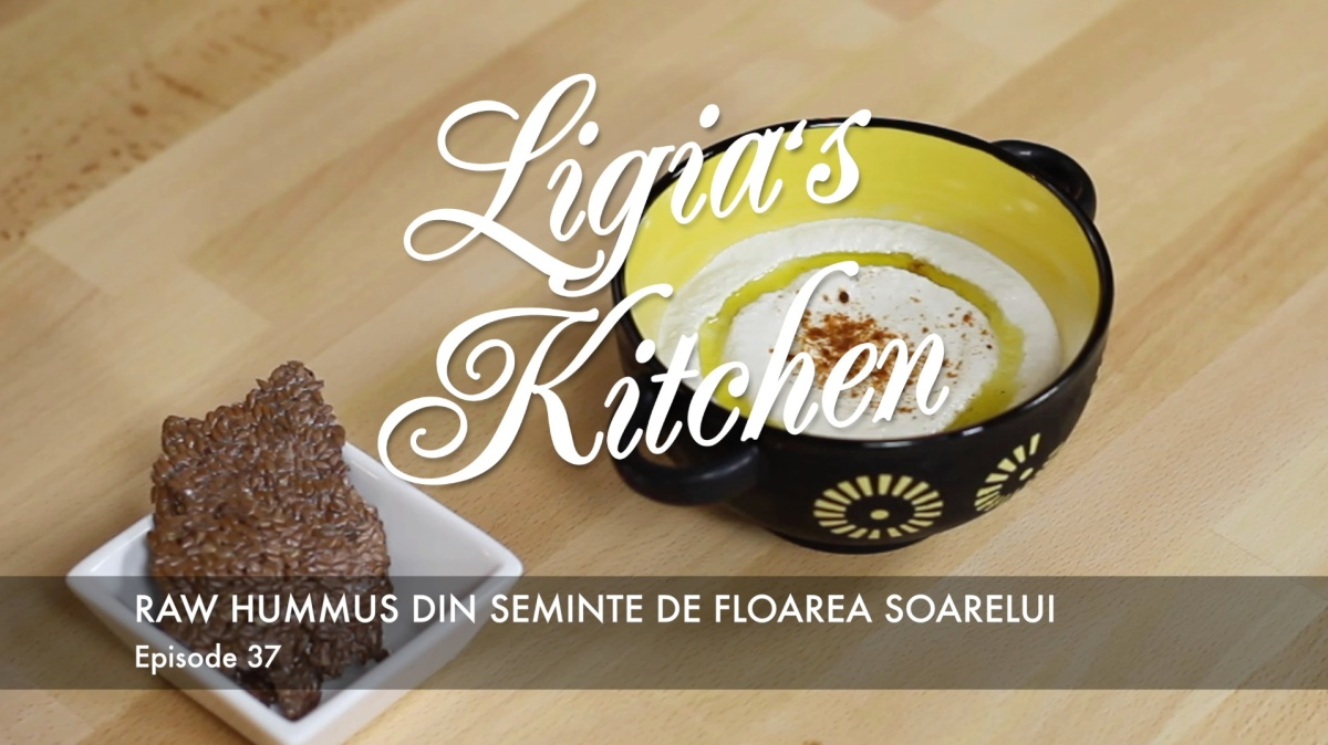 Ligia's Kitchen: Raw hummus from sunflower seeds