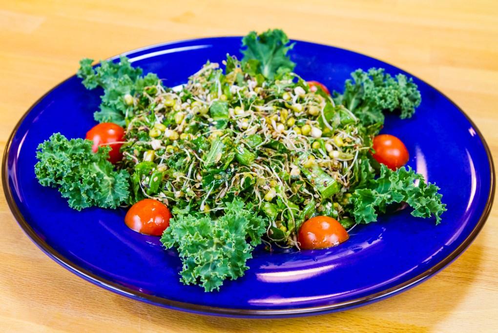 Salata de vlastari cu kale