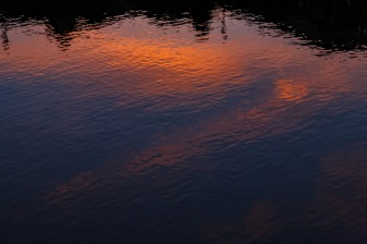 Crisscross ripples