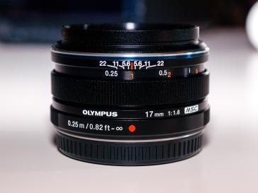 Olympus M.ZUIKO DIGITAL 17mm 1:1.8 Lens