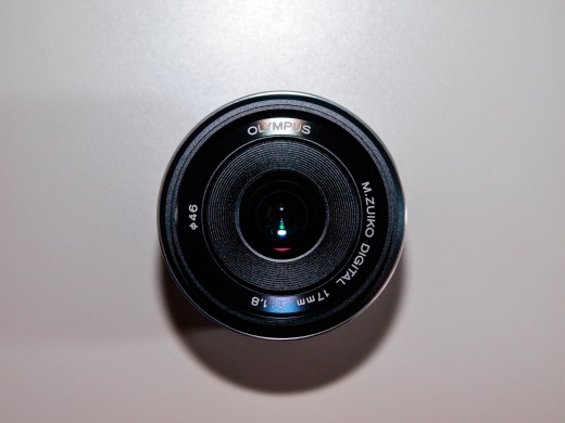 Olympus M.ZUIKO DIGITAL 17mm 1:1.8 Lens