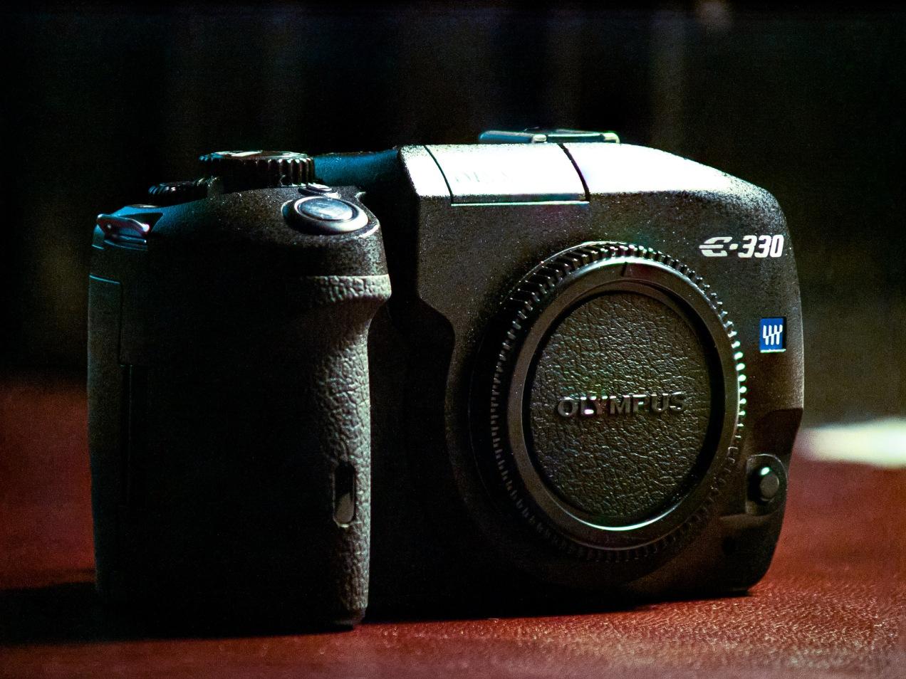 Olympus E-330 DSLR